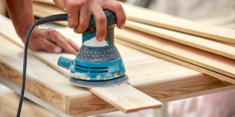 Exzenterschleifer für Holzoberflächen
