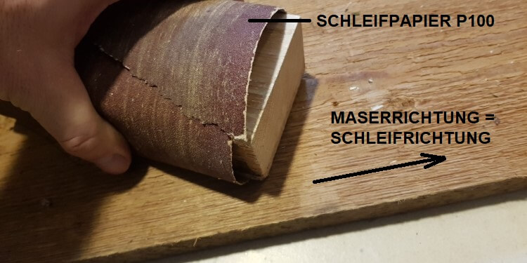 Holz vor dem Ölen schleifen