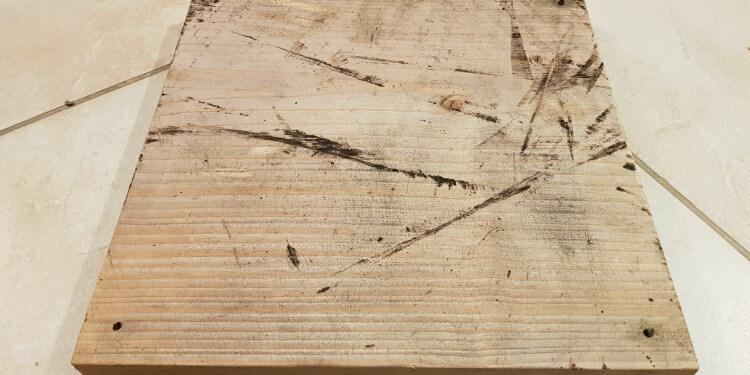 Holz mit Klarlack lackieren Anleitung Ausgangssituation