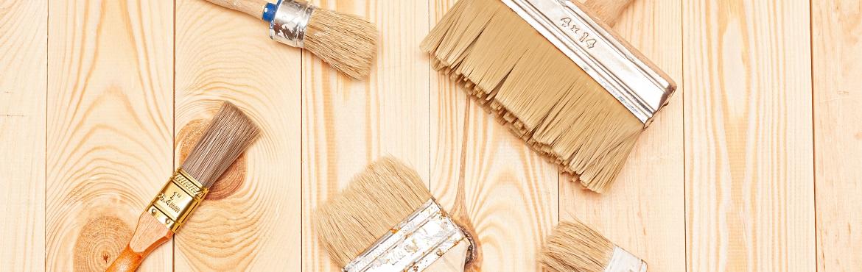 Pinsel zum Holz streichen