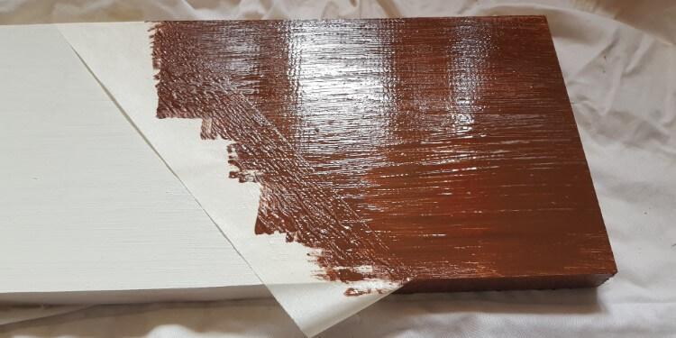 Holz abkleben beim Streichen - zweite Farbe auftragen