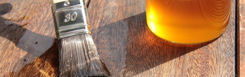 Holz mit Leinöl behandeln