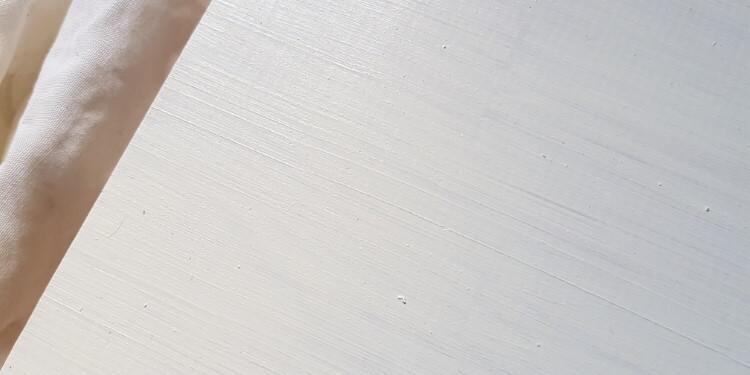 Lacknasen von Holz entfernt
